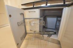 厨房室内设计碗柜细节 免版税库存照片