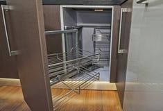 厨房室内设计角落碗柜细节 库存图片