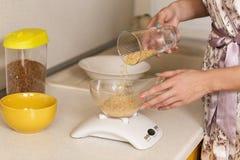 厨房标度 免版税库存图片