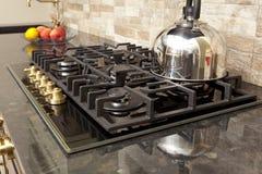 厨房煤气炉在厨房里 免版税图库摄影