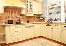 厨房现代好 免版税库存照片