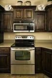 厨房现代宽敞 图库摄影