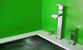 厨房现代水槽 图库摄影