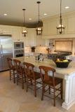 厨房豪华现代垂直 库存照片
