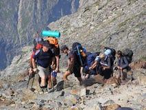 去勃朗峰顶层的登山人  库存图片