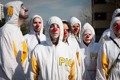 参与在米兰小丑节日的执行者2014年 库存图片
