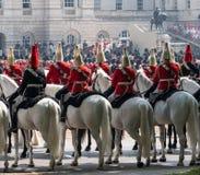参与在进军的家庭骑兵颜色仪式,伦敦英国 库存照片