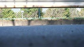 参加一次公路赛的赛跑者的脚在多摩市市,东京 影视素材
