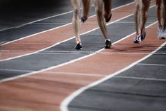 参加在轨道体育竞赛的比赛 库存图片