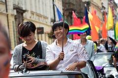 参加布拉格自豪感-大快乐&女同性恋的自豪感的妇女 免版税库存照片
