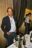 参加者和访客vinitaly意大利酒和食物的制造者和供应商的企业陈列的 图库摄影