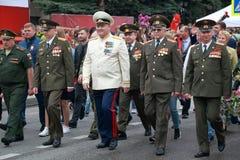 参加者在胜利天的专栏在Pyatigorsk,俄罗斯游行 免版税库存图片