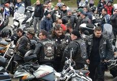 参加者在28日行军2015年,索非亚,保加利亚的摩托车队伍 免版税库存照片