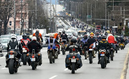 参加者在28日行军2015年,索非亚,保加利亚的摩托车队伍 免版税库存图片