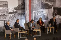 参加者,辩论, 3月` 68 图库摄影