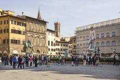 参观佛罗伦萨的视域游人在3月31,2014 免版税图库摄影