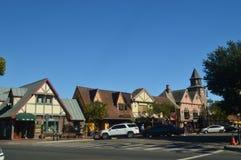 参观有他们历史的丹麦的典型的Contructions的丹麦人建立的一个古雅Solvang村庄 免版税图库摄影