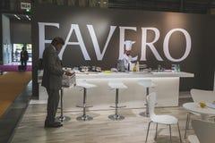 参观Tuttofood的人们2015年在米兰,意大利 免版税库存图片