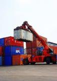 叉架起货车,容器,越南货棚 图库摄影