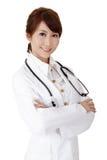 友好亚裔的医生 免版税库存图片