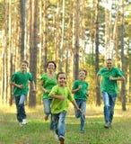 友好的家庭赛跑 库存图片
