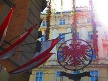 双在维也纳朝向老鹰标志 图库摄影