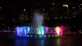 双子楼吉隆坡在晚上 免版税库存图片