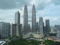 双子楼和KLCC公园,吉隆坡 免版税库存图片
