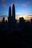 双子楼,亦称Menara天然碱是在世界的高楼从1998年到2004年 库存照片