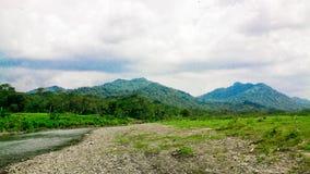 双小山在印度尼西亚 图库摄影
