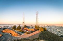 从双峰顶的旧金山地平线 免版税库存图片