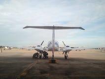 双引擎飞机 免版税库存照片