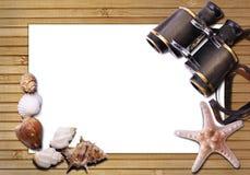 双筒望远镜仍然生活海运 免版税库存照片