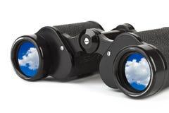 双筒望远镜反映天空 免版税库存照片