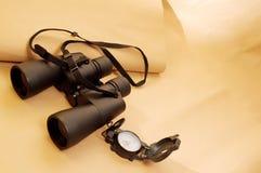 双筒望远镜指南针 库存照片