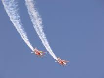 双翼飞机形成 库存图片