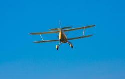 双翼飞机着陆 图库摄影