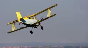 双翼飞机 免版税库存照片