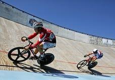 双轨骑自行车者 库存图片