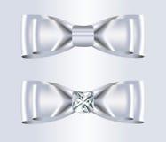 双重典雅的白色丝绸弓 免版税库存照片