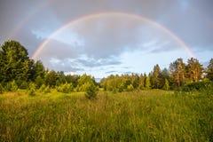 双重彩虹,不可思议的天气 库存图片