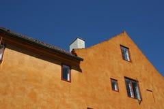 双重斜坡的四边形屋顶 免版税库存图片