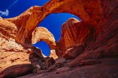 双重曲拱在拱门国家公园,犹他,美国 库存图片