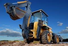 反向铲挖掘机装入程序后方rised视图 库存照片