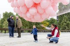 反对乳腺癌的桃红色气球 免版税库存照片