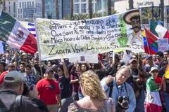 反对唐纳德・川普的革命Zapata行军 免版税图库摄影
