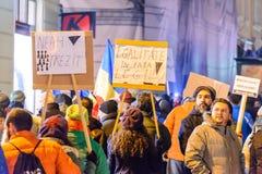 2017 - 反对囚犯体谅计划的罗马尼亚人抗议 布拉索夫, 免版税图库摄影