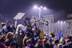 2017 - 反对囚犯体谅计划的罗马尼亚人抗议 布拉索夫, 免版税库存照片