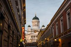 反对多云蓝天的赫尔辛基大教堂 免版税图库摄影