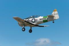 AT-6反对天空的德克萨斯的后方 库存照片